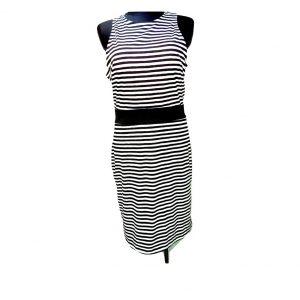 dryzuota-siaura-ilga-balta-juoda-suknele
