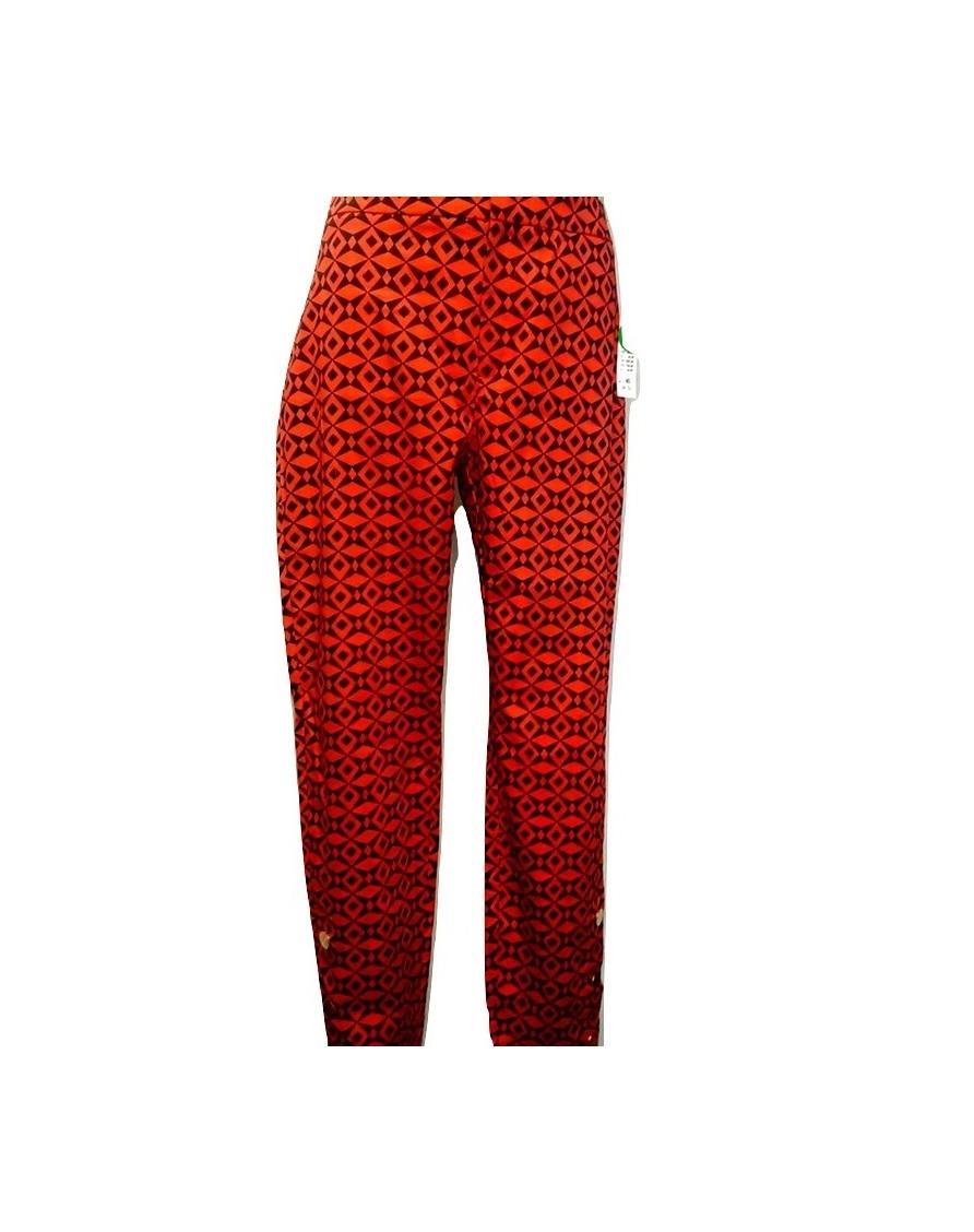ilgos-raudonos-stilingos-moteriskos-kelnes