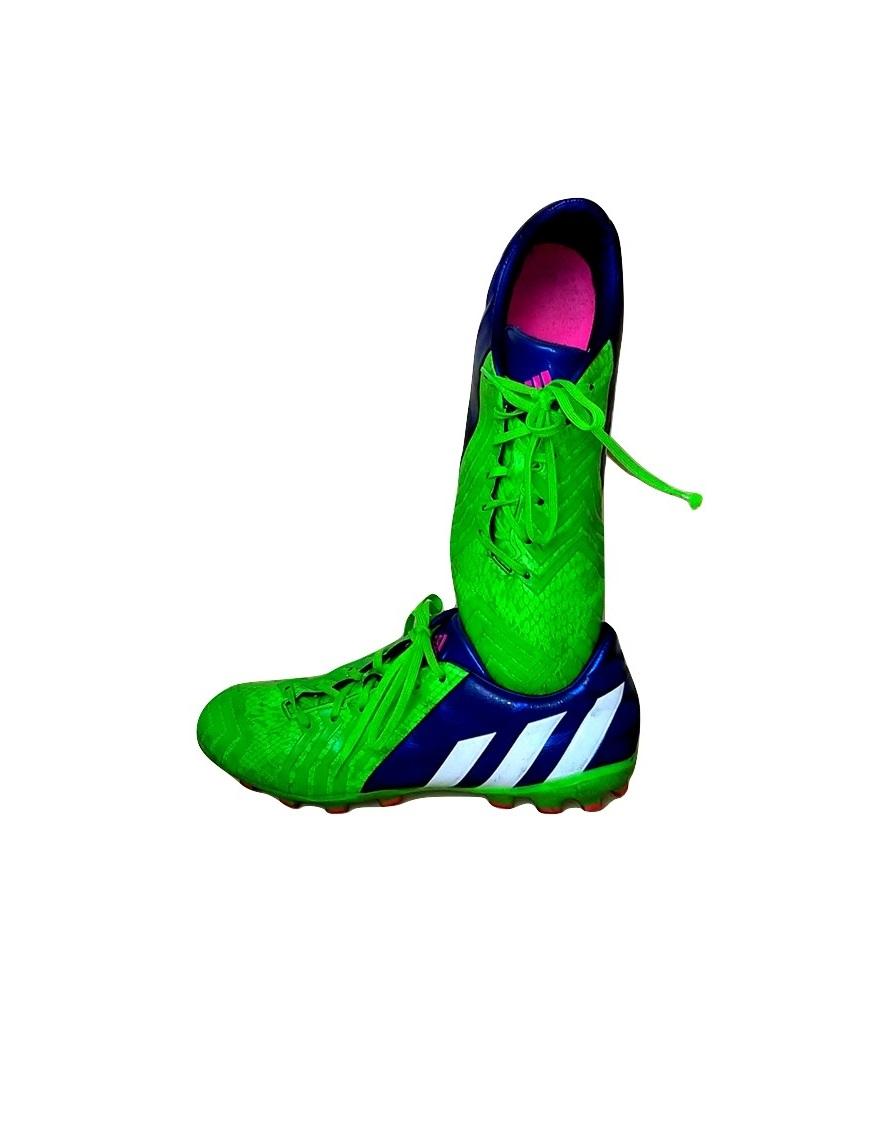 futbolo-bateliai-zali_burned