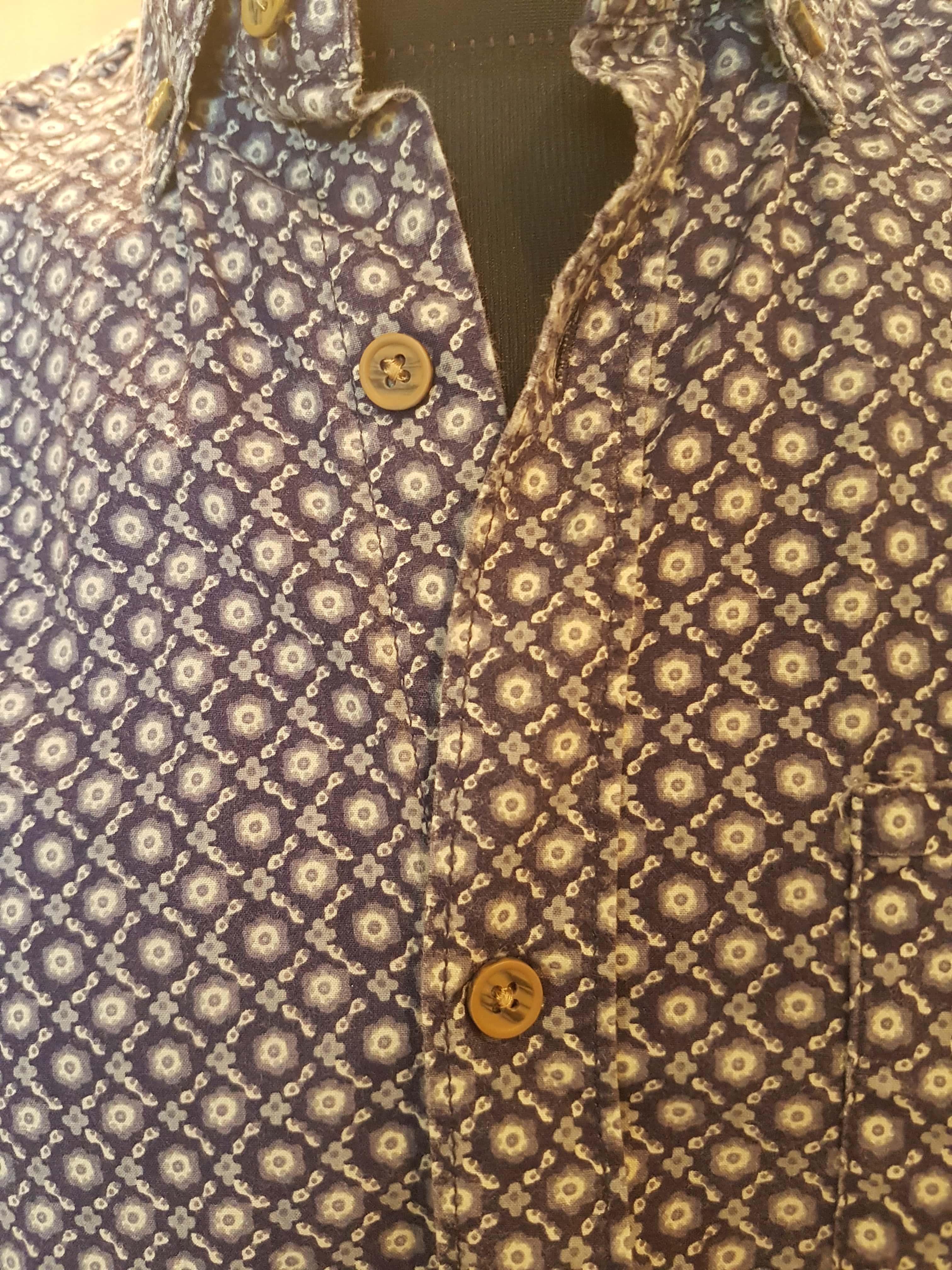 Vyriški vasariniai marškiniai, PEACOCKS, užsegimas