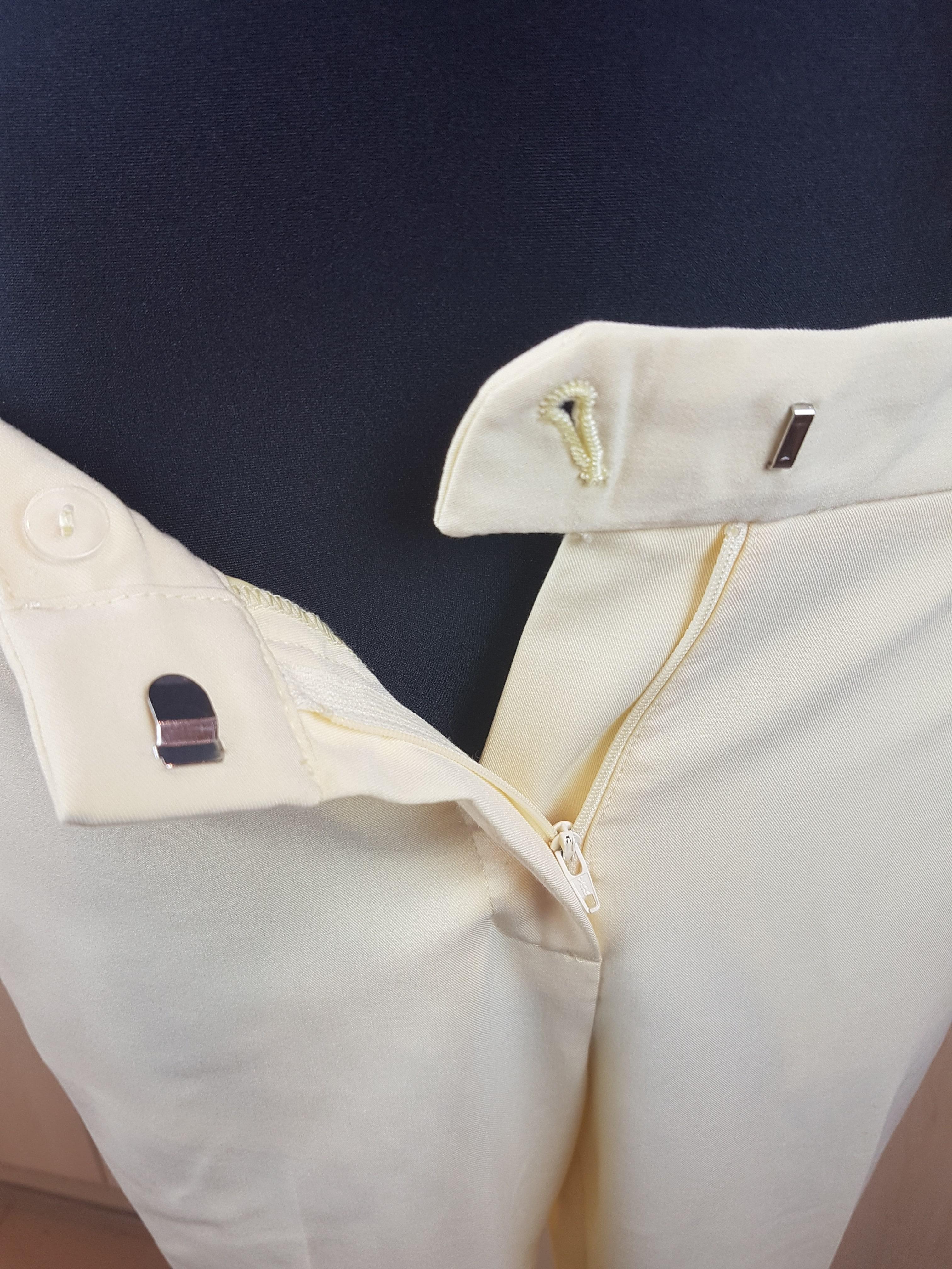 Moteriškos vasarinės gelsvos klasikinės kelnės, F&F, 40 dydis, užsegimas