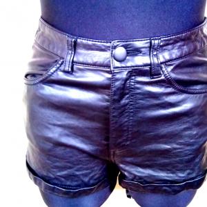 Moteriški trumpi juodi šortai H&M DIVIDED, dydis 36